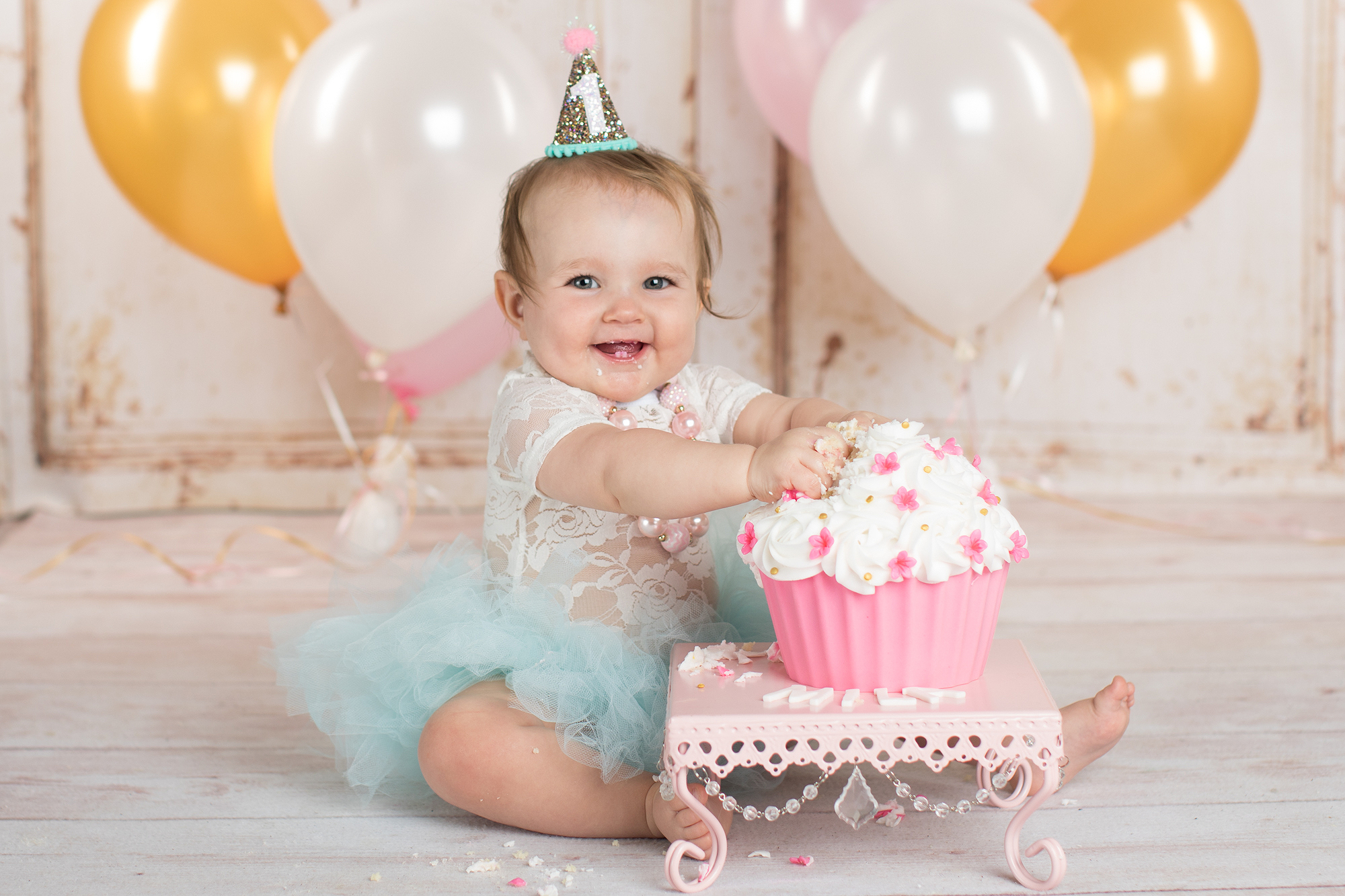 Swell Book An Unforgettable Cake Smash Photography Session Personalised Birthday Cards Beptaeletsinfo